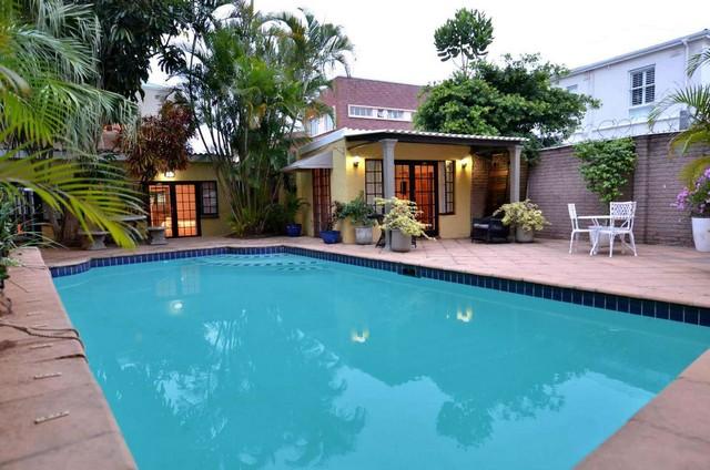 Orçamento de piscinas, equipamentos, acessórios. Projetos, implantação, manutenção. - Piscinas para sua casa