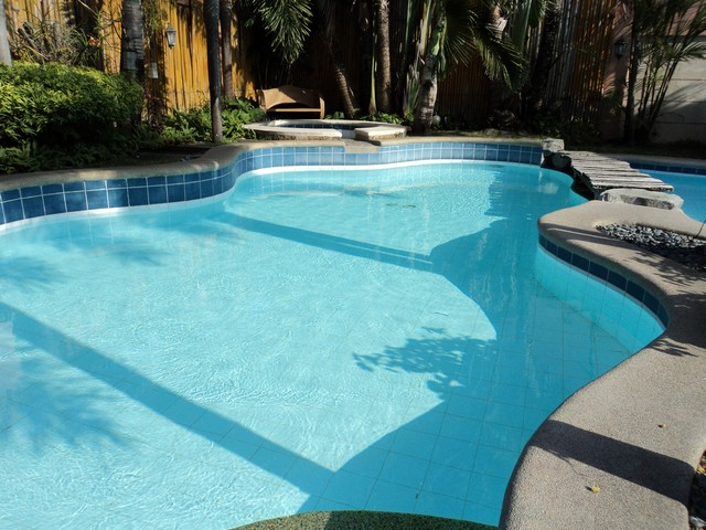 Orçamento de piscinas, equipamentos, acessórios. Projetos, implantação, manutenção. - Fibra