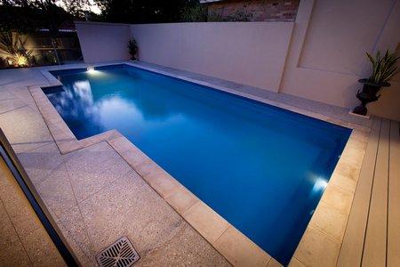 Orçamento de piscinas e construção de piscina de vinil, fibra ou alvenaria - Piscina de Fibra