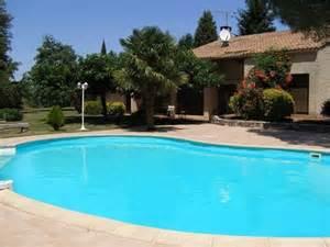 Piscina de Fibra, de Vinil, ou de Alvenaria. Construir piscina - piscina de alvenaria