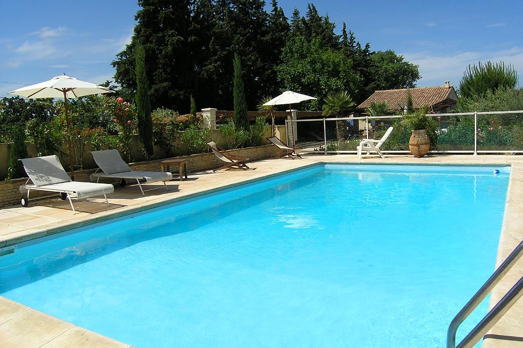 Piscina de Fibra, de Vinil, ou de Alvenaria. Construir piscina -  construir piscina em casa