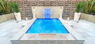 Piscina de Fibra, de Vinil, ou de Alvenaria. Construir piscina -