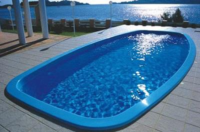 Piscina de Fibra, de Vinil, ou de Alvenaria. Construir piscina